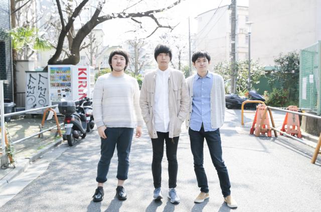 nicoten 左から広瀬成仁(B)、宮田航輔(Vo / G)、岡田一成(Dr)