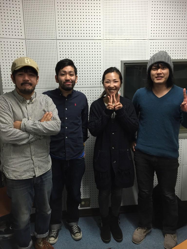 左からWALK INN STUDIOのおじさん、BACKSKiD・富田史門、akko、人性補欠・桑原田健史